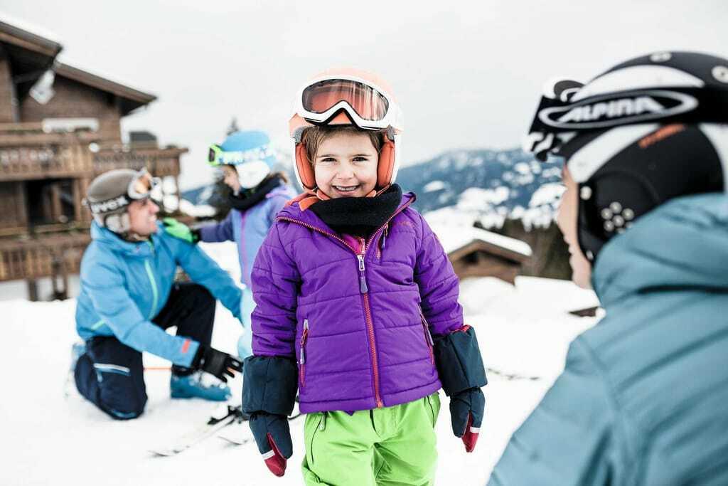 Kind beim Ski fahren_FamilotelAllgäuerBerghof_OfterschwangGunzesried