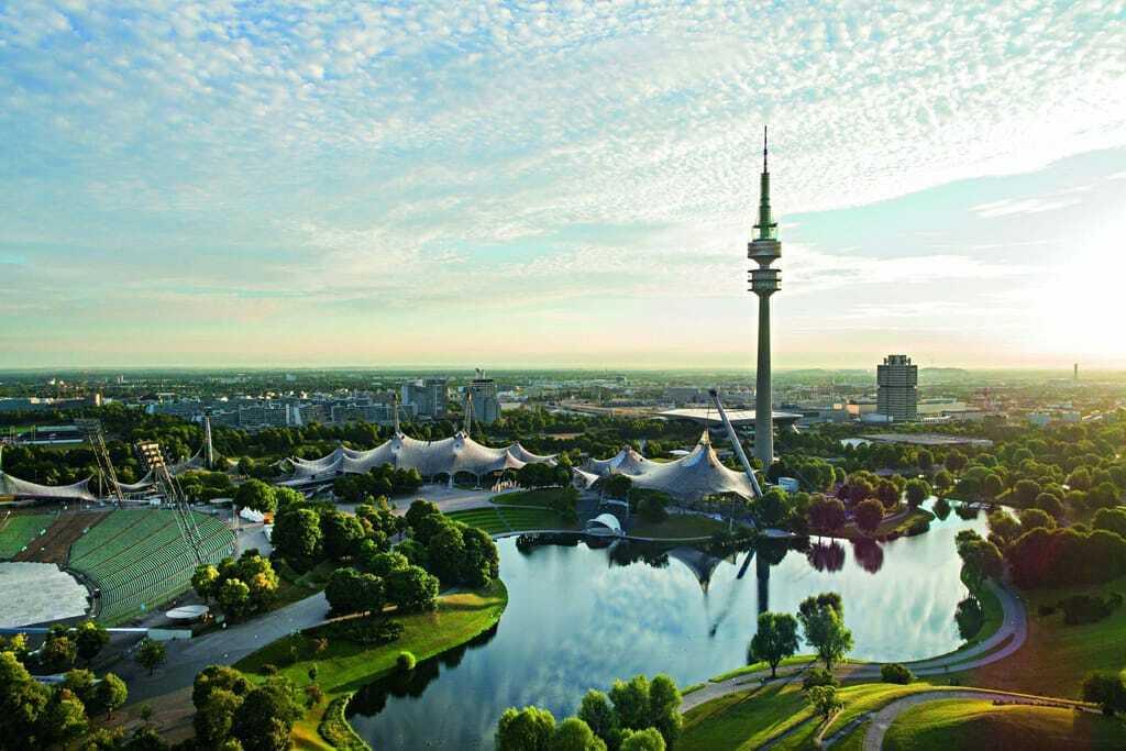 Der Olympiapark in München von oben