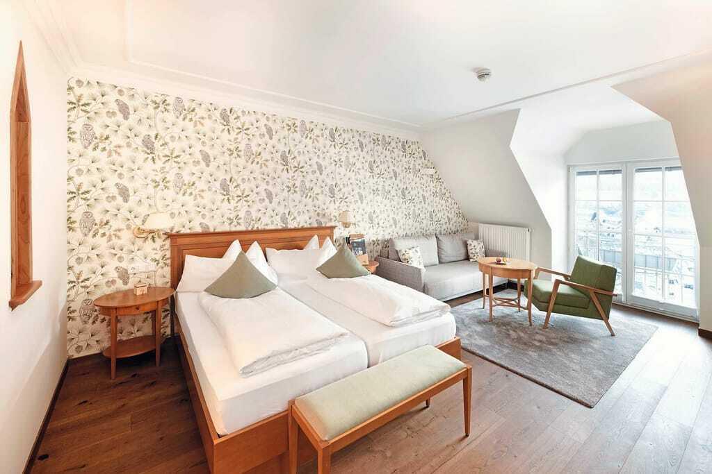 Zimmer mit Rundbogen in Ebner's Waldhof
