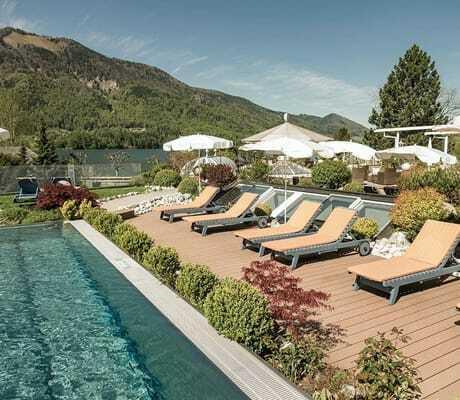 Pool mit Liegen_Ebners_Waldhof_Am_See_Fuschl_Am_See