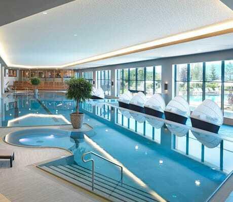 Ausschnitt_Indoorpool_Interalpen-Hotel_Tyrol