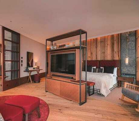 Blick_in_die_Panoramasuite_Interalpen-Hotel_Tyrol