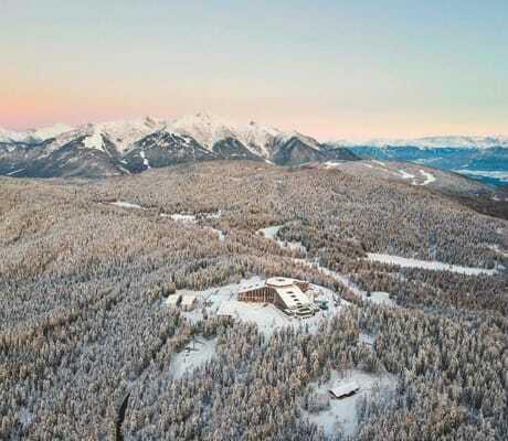 Blick_von_oben_auf_Interalpen-Hotel_Tyrol