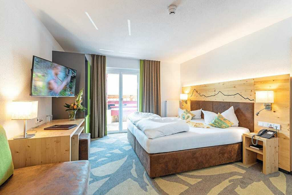 Blick in ein Doppelbettzimmer_Kaiserhof_Berwang
