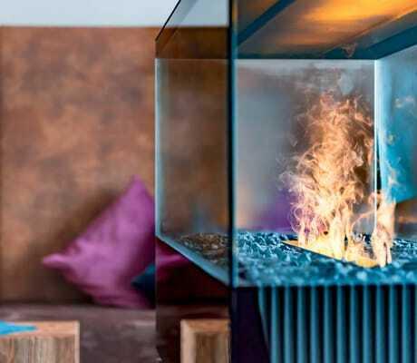 Kamin mit Couch, Hotel zum Gourmet
