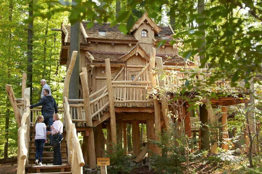 Natur-Resort Tripsdrill: Baumhaus Robinienheim