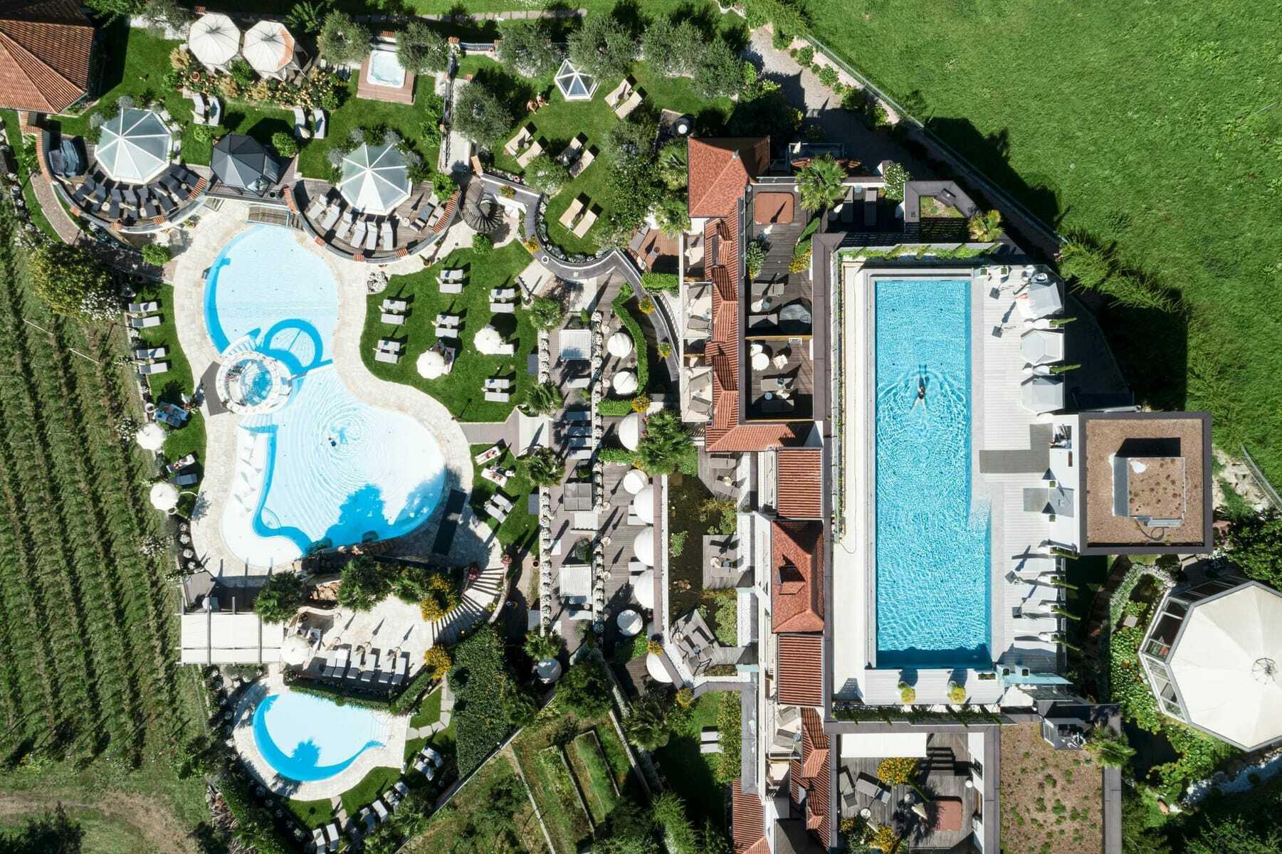 Luftaufnahme_Preidlhof_Luxery_DolceVita_Resort_Naturns