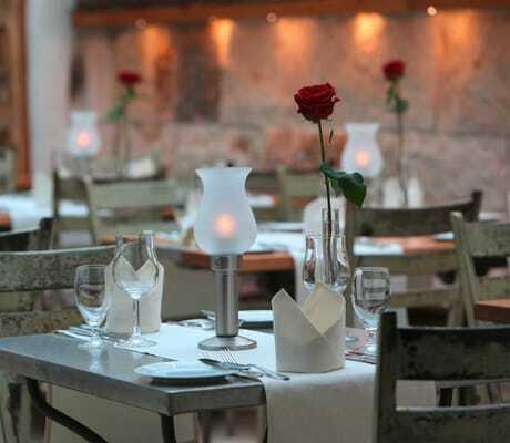 gedeckter_Restauranttisch_Santa_Isabel_Rust