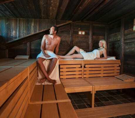Paar_in_der_Sauna_Santa_Isabel_Rust
