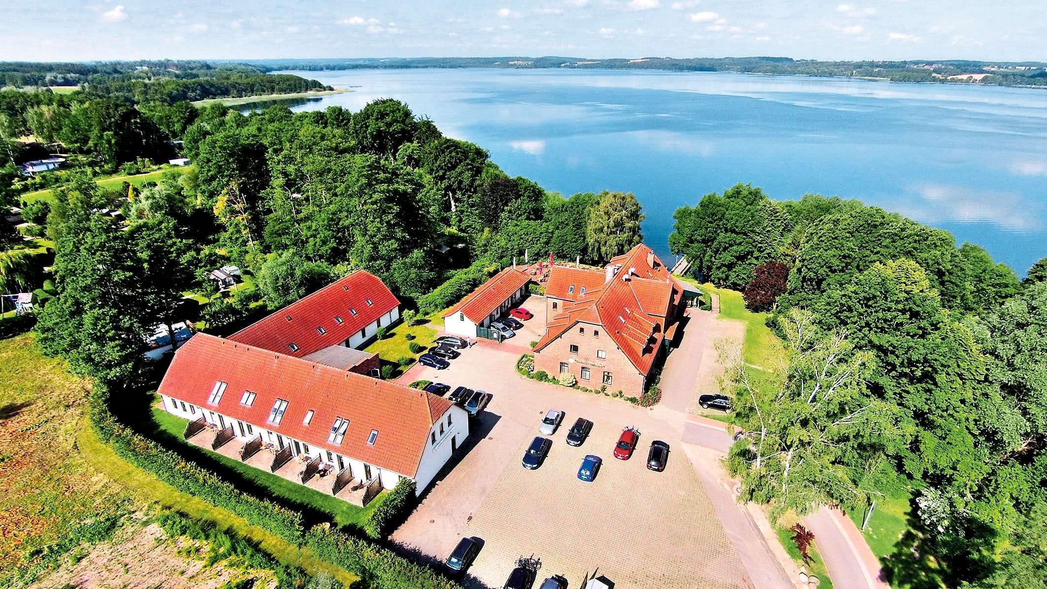 Ansicht von oben auf die Häuser_Seehotel_Heidehof_Klein_Nemerow