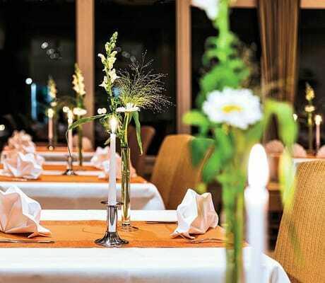 Gedeckter Tisch im Restaurant_Seehotel_Heidehof_Klein_Nemerow