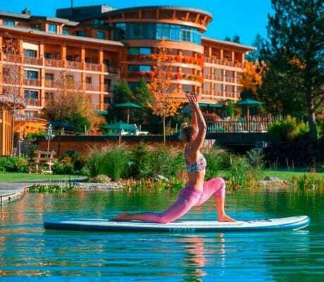 Yoga_auf_dem_SUP_Sonnenalp Resort