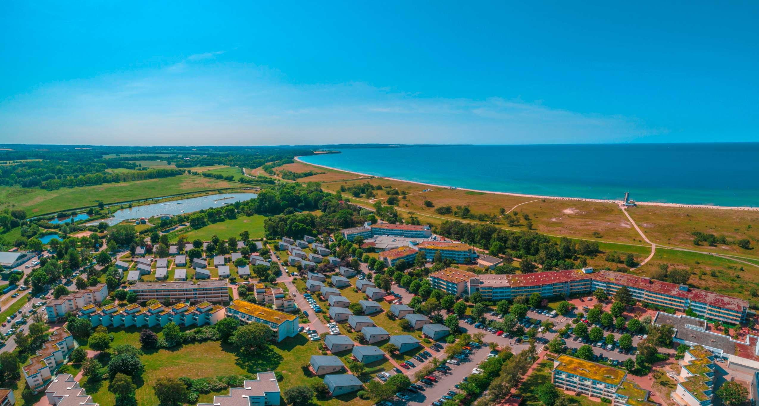 Übersicht aus der Luft_Strandhotel_Weissenhäuser_Strand
