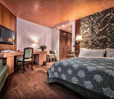 Hotelzimmer rustikal_Tschuggen