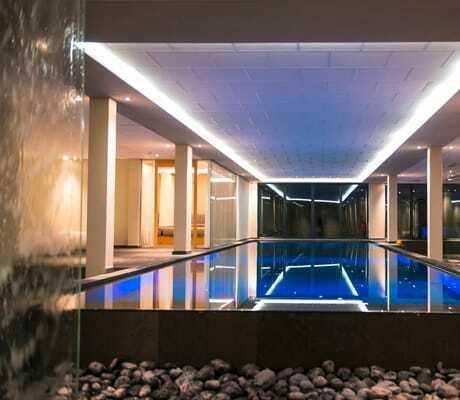 Beleuchteter Indoor Pool_Ulrichshof_Rimbach