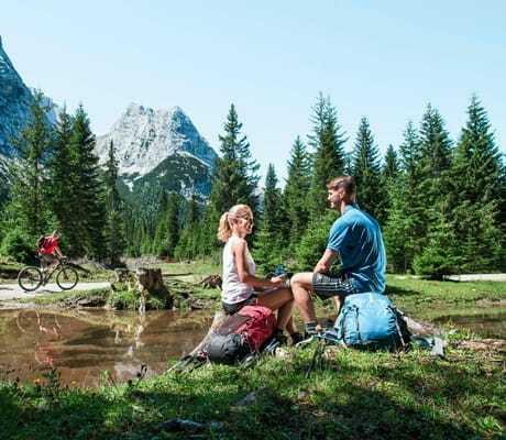 Wanderer und Mountainbiker, Hotel zum Gourmet