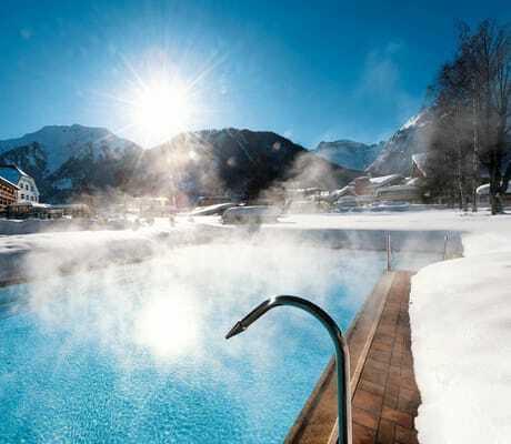 Outdoor Pool im Winter_Travel_Charme_Fuersetenhaus_Am_Achensee_Pertisau