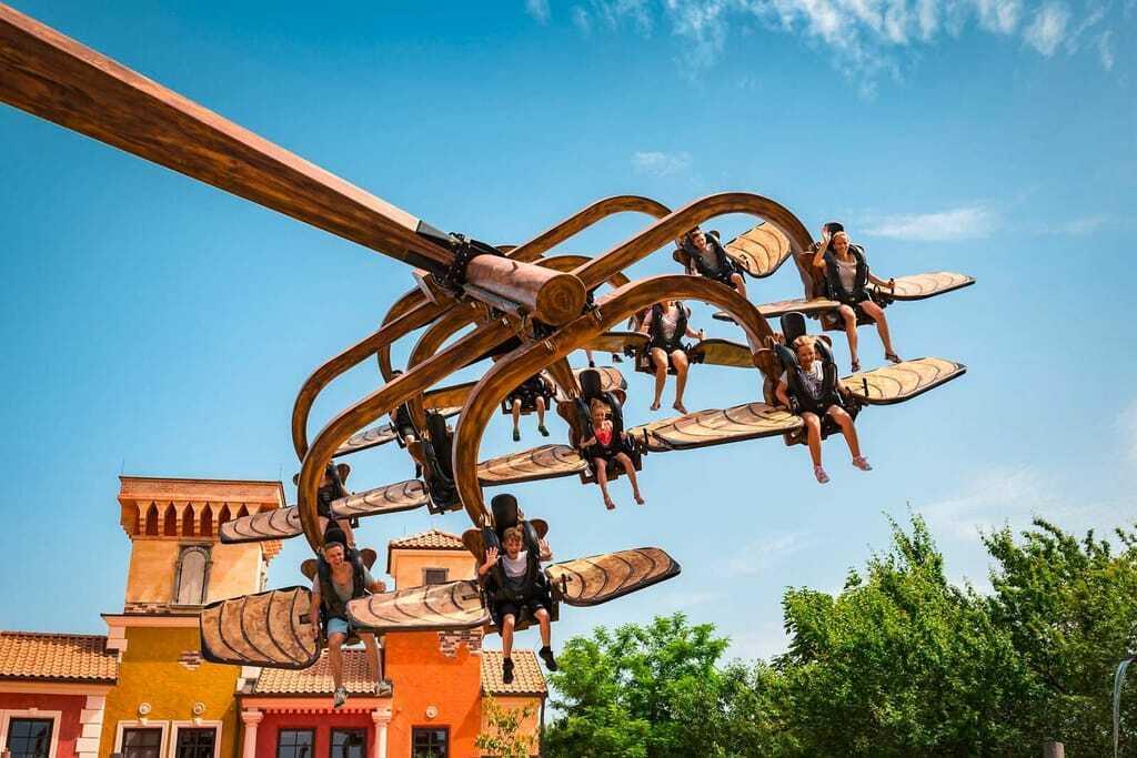 Freizeitpark Familypark Flugmaschine Kinder Fliegen Flugkarussell