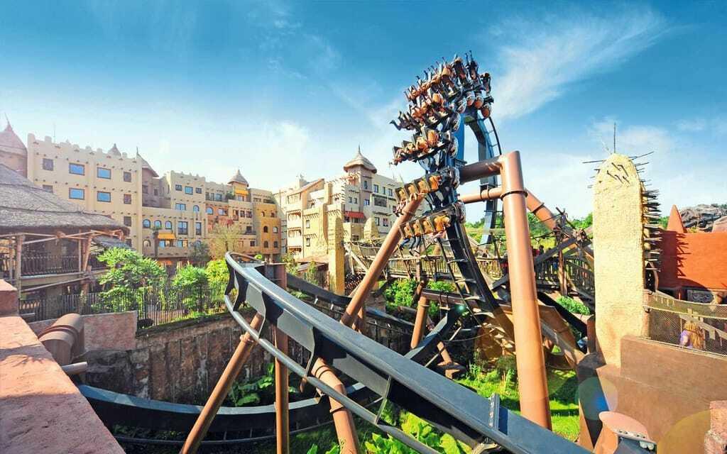Freizeitpark Phantasialand Black Mamba Achterbahn Dschungel