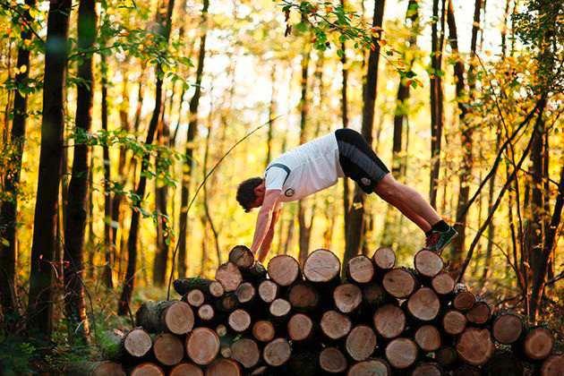 Reiseziele im Oktober Sport Wald