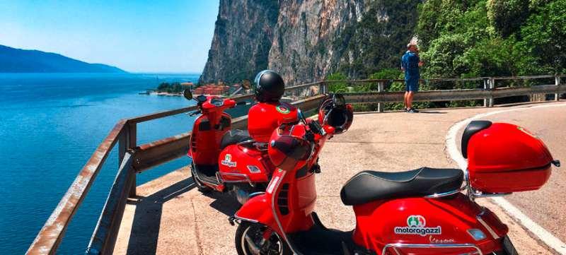Reiseziele im Oktober Gardasee Italien Vespa-Tour