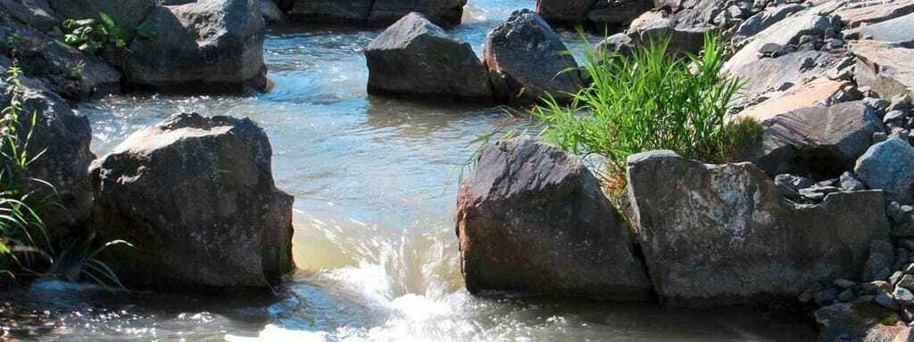 Reiseziele im Oktober Fluss Wasser Iller LEW