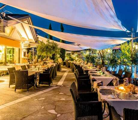 Abendstimmung im Restaurant des Hotel Weinegg