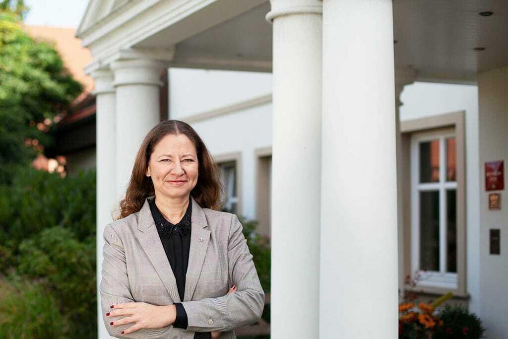 Porträt Hoteldirektorin Franziska Grimm Gutshaus Stolpe