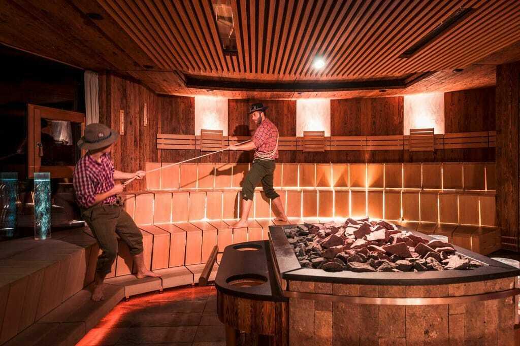 Außergewöhnliche Hotelsauna: See-Event-Sauna im Quellenhof