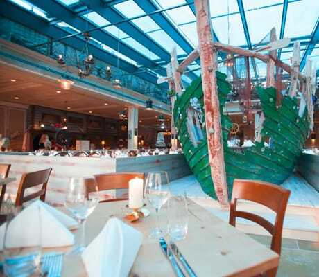 Schiff_im_Restaurant_Harbourside_Bell_Rock_Rust