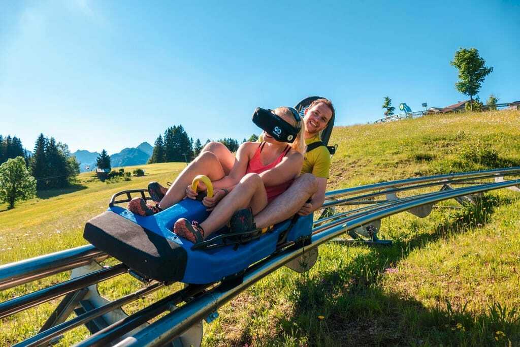 Sommerrodelbahnen im Allgäu: Adrenalinkick mit der VR-Brille