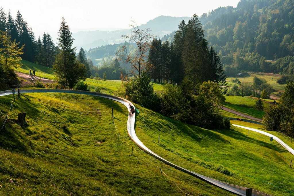 Schöne Landschaft rund um die Sommerrodelbahn Hündle