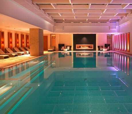 Beleuchteter Indoor Pool_Severins_Resort_Spa_Keitum-Sylt