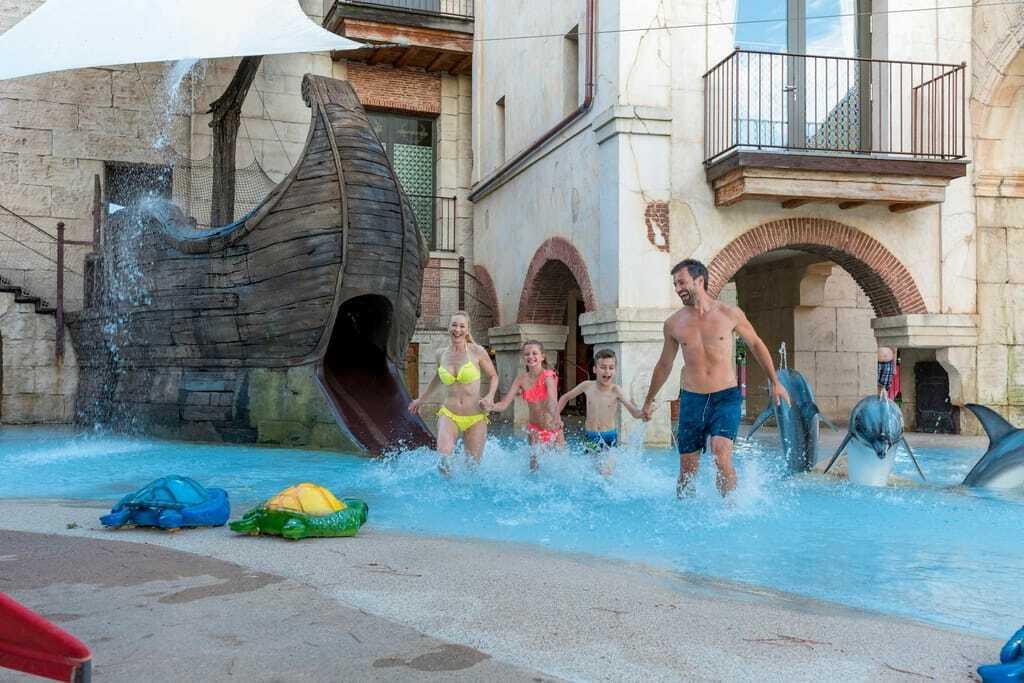 Familienhotels in Deutschland: Wasserspielplatz im Hotel Colosseo